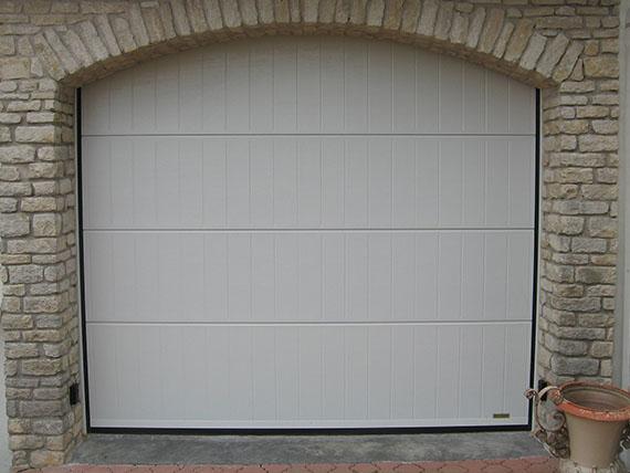 Pose de porte de garage autour de rennes aluminium - Pose de porte de garage sectionnelle ...